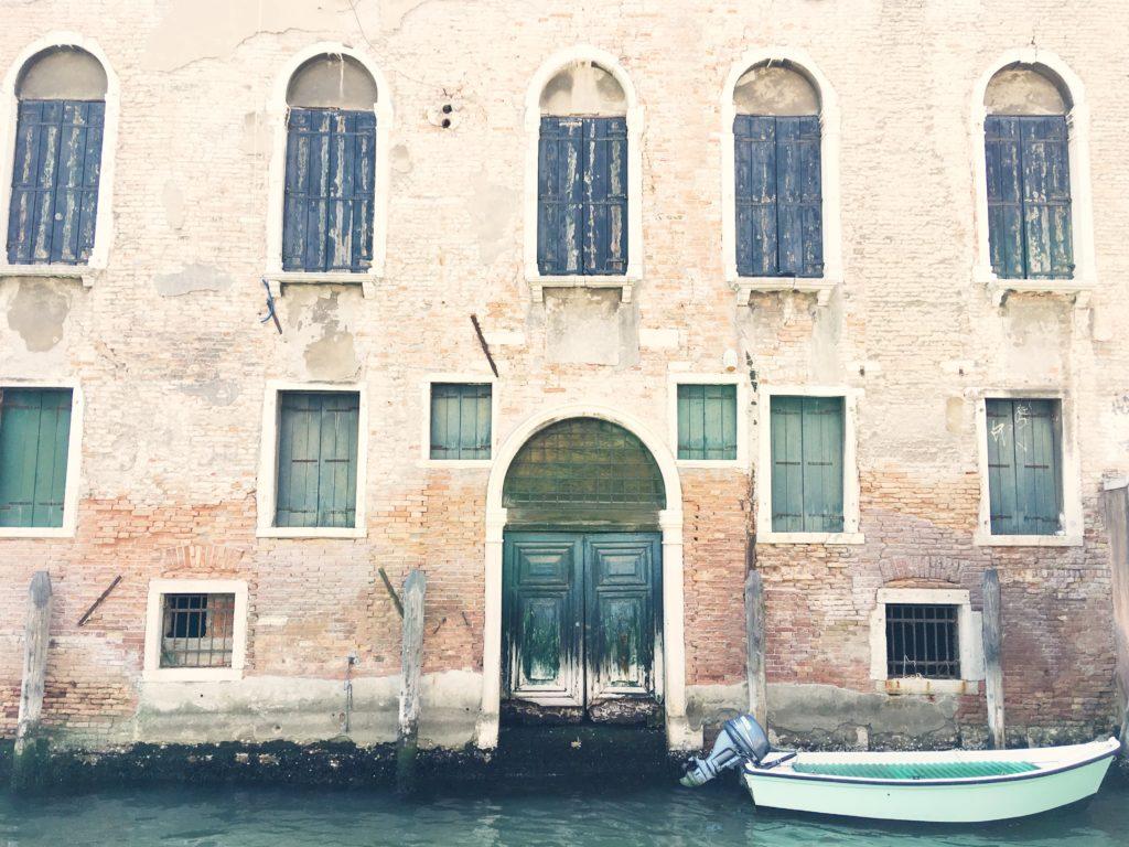 Facciata dei palazzi a Venezia