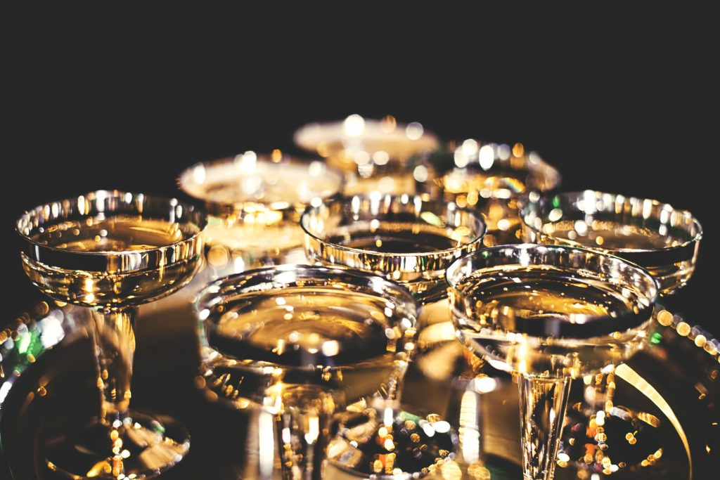 billy-huynh-454531-unsplash-champagne-bicchieri